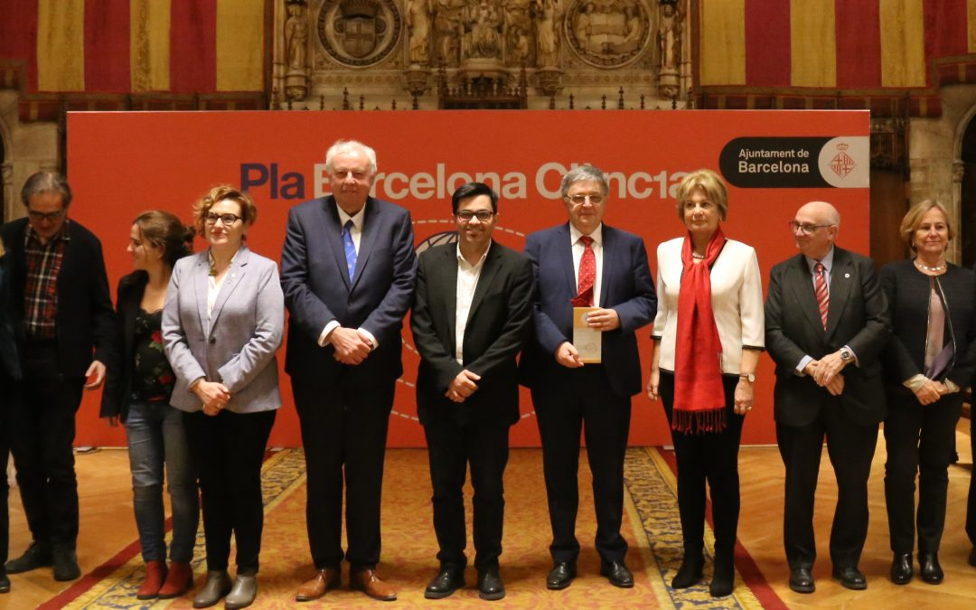 Barcelona's mathematical community enthusiast about Hungarian mathematician László Lovász receiving the Hipàtia Award